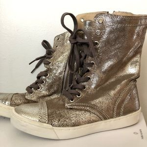 Steve Madden RESOLVVE High top sneakers Sz 6